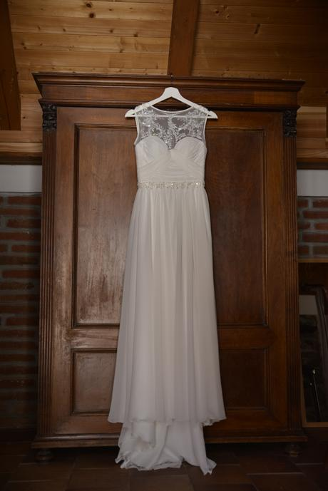 Svatební šaty pro vílu - něžné knoflíky na zádech, 36