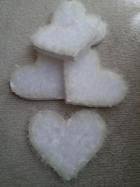 svadobna vyzdoba- organzove srdcia,