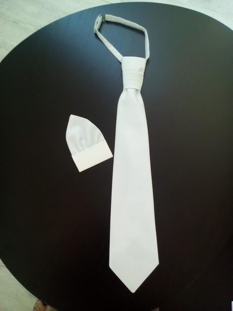 Svatební vesta s regatou a kapesníčkem, 50