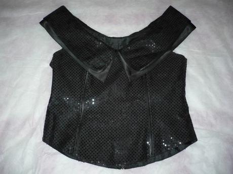 Čierny korzetík s flitríkmi, 38