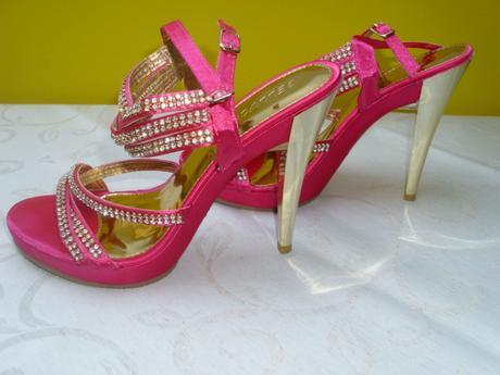 Cyklamenové topánočky, 39