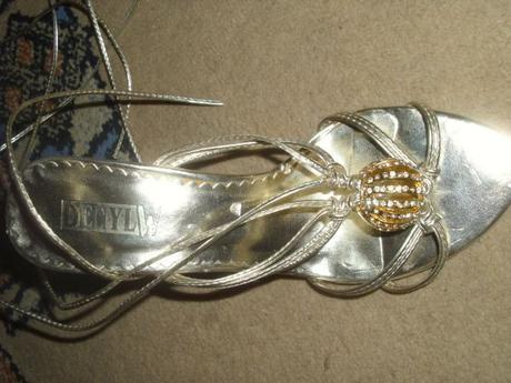 Zlaté sandálky, 37