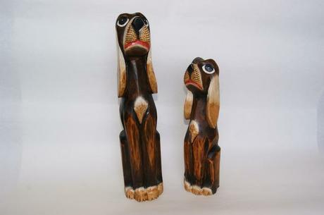 Drevení psíkovia ručne vyrezávaní z ľahkého exotic,