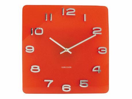 Karlsson Vintage nástenné hodiny zo skla v červene,