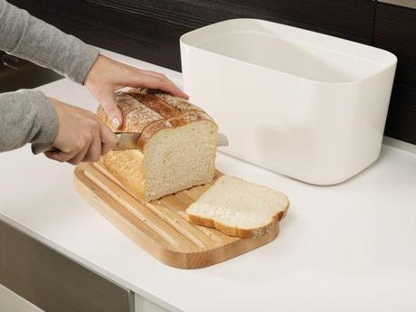Nádoba na chlieb s doskou JOSEPH JOSEPH Bread Bin ,