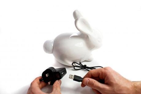 Porcelánový zajačik so svietiacim chvostíkom,