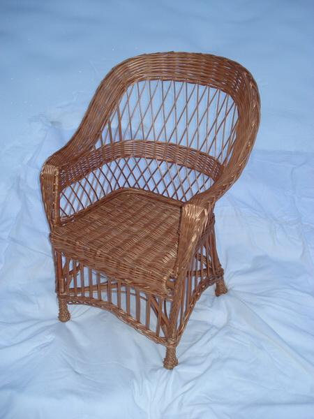 prútená stolička,