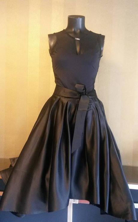 elegantná skladaná sukňa, 40