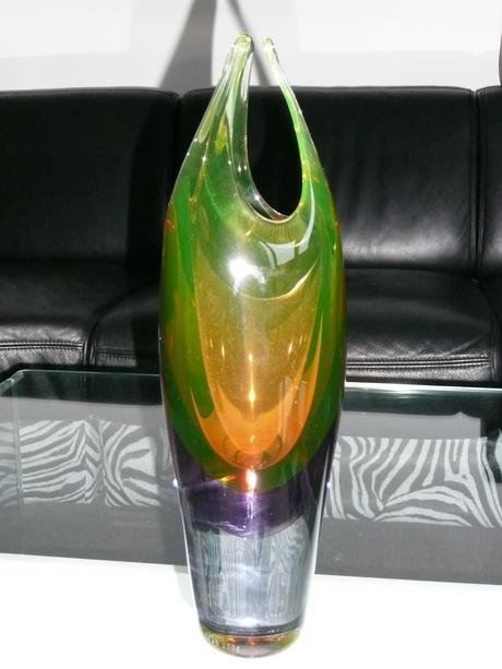 kristalova vaza s misou od studia IRDS,