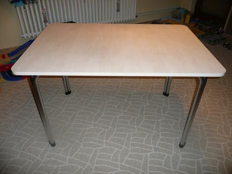 velky kuchynsky stol,