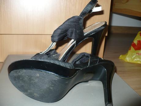 vysoké čierne sandále, 39