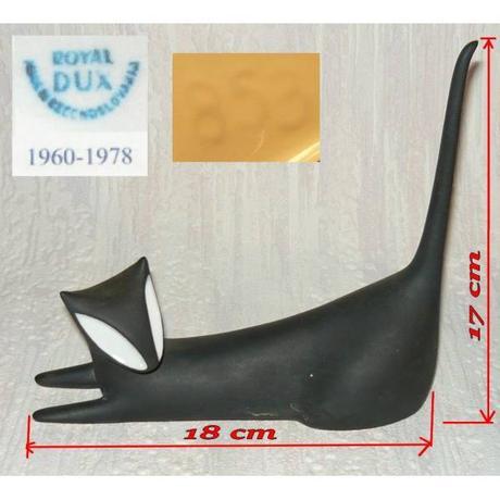 Ležíci kotě-rok 1960-Jaroslav Ježek,