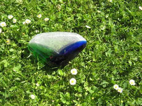 Popelník-hutní sklo z roku 1976,