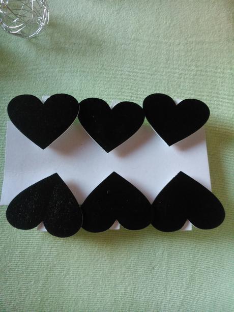 Srdíčka s kolíčkem - jmenovky,