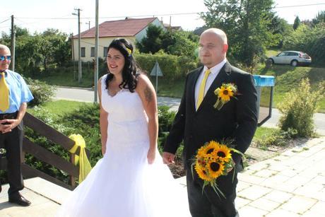 Svatební šaty zn. Mandora, 48
