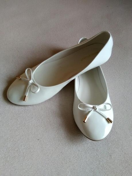 Bílé baleríny s mašličkou, 40