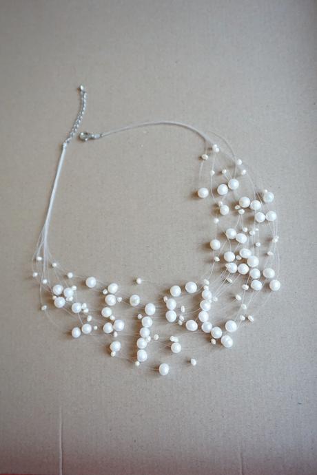 Náhrdelník a naušnice z pravých perel,