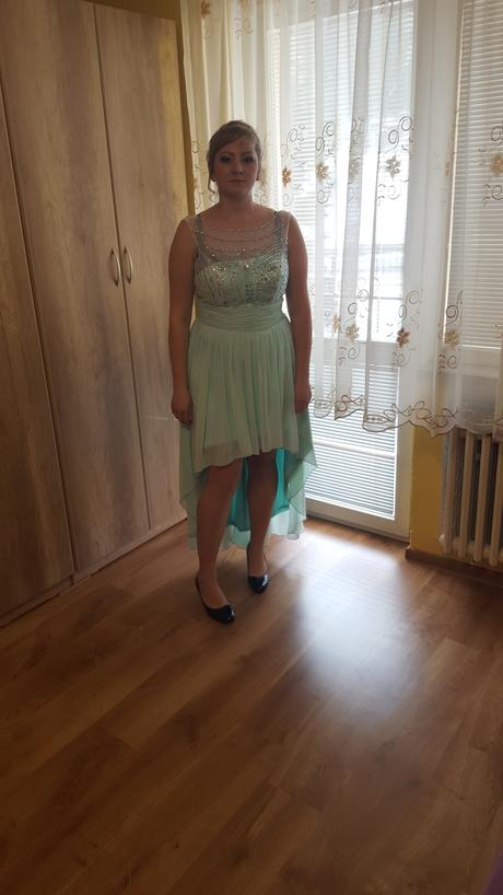 Šaty , 46