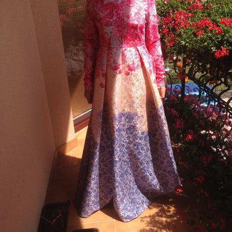 Elegantné spoločenské šaty , M