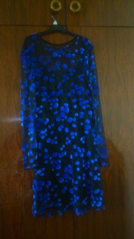 večerné koktailové šaty s poštou, M