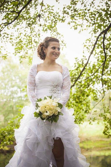Šaty pro nevěstu s rozparkem, 38