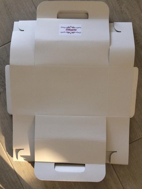 Krabičky na dort nebo výslužku,