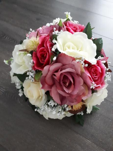 kvety na svadobný stôl,