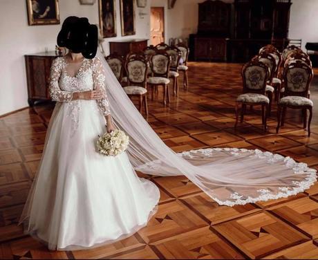 Svadobné šaty s 3D čipkou, 36