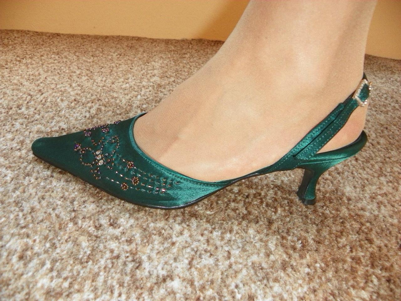 43b304891b6 Tmavě zelené společenské boty