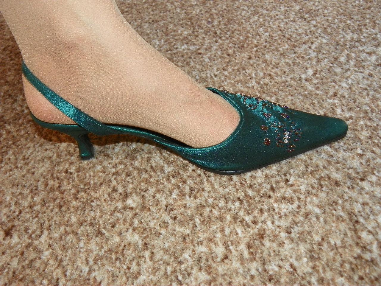 adb192d4371 Tmavě zelené společenské boty