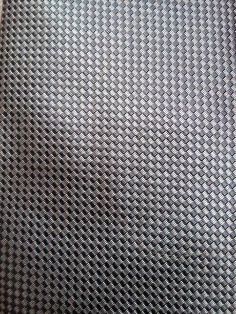 Luxusní hedvábná kravata včetně pošty,