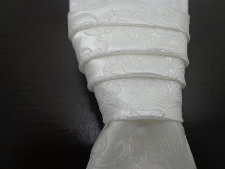 Svadobná vesta, a franc. kravata, 42