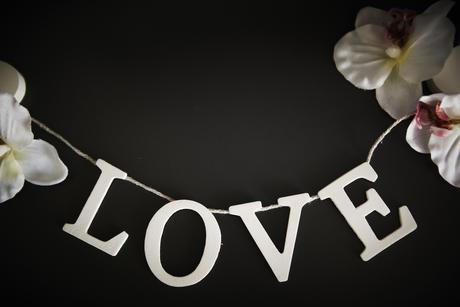 Dekoračná retiazka LOVE,