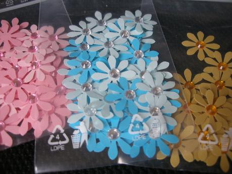 Dekoračné kvietky - rôzne farby (40 ks),