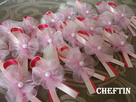 Pierka pre hostí v ružovej,