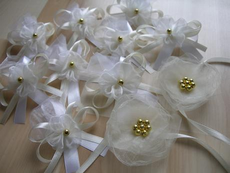Svadobné pierka biela/smotanová,