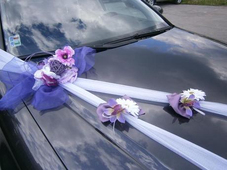 Tmavo fialová výzdoba na auto SKLADOM,