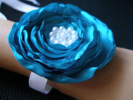 Tyrkysové ruže - náramky/čelenky pre druzicky,
