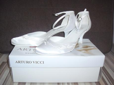 Svadobné topánky, 37