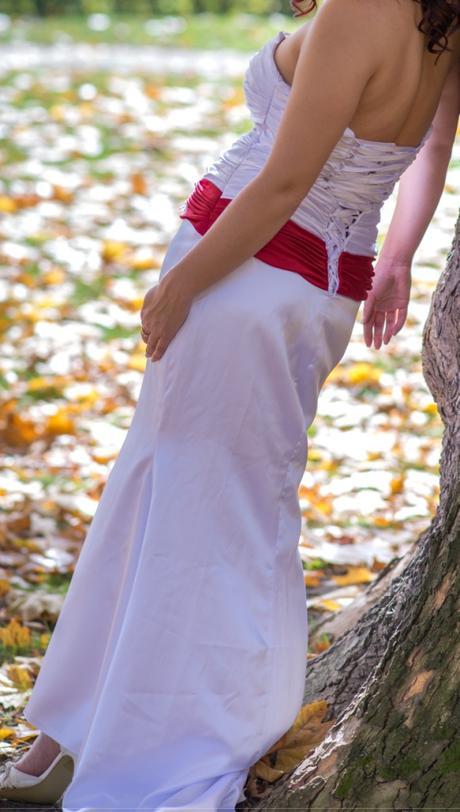 Svadobné šaty, Spoločenské šaty, 38