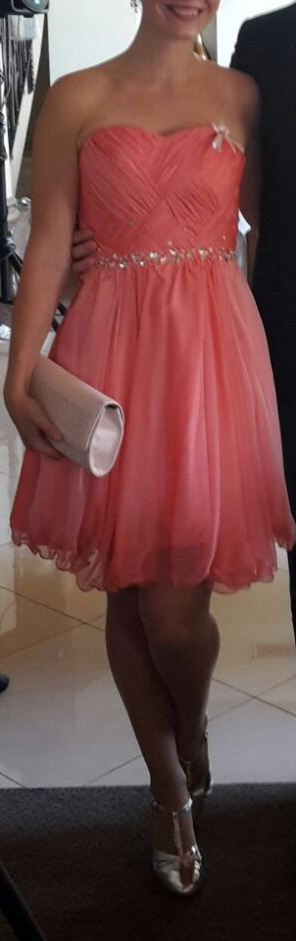 Lososovo pastelové šaty bez ramienok s kameňmi, 38