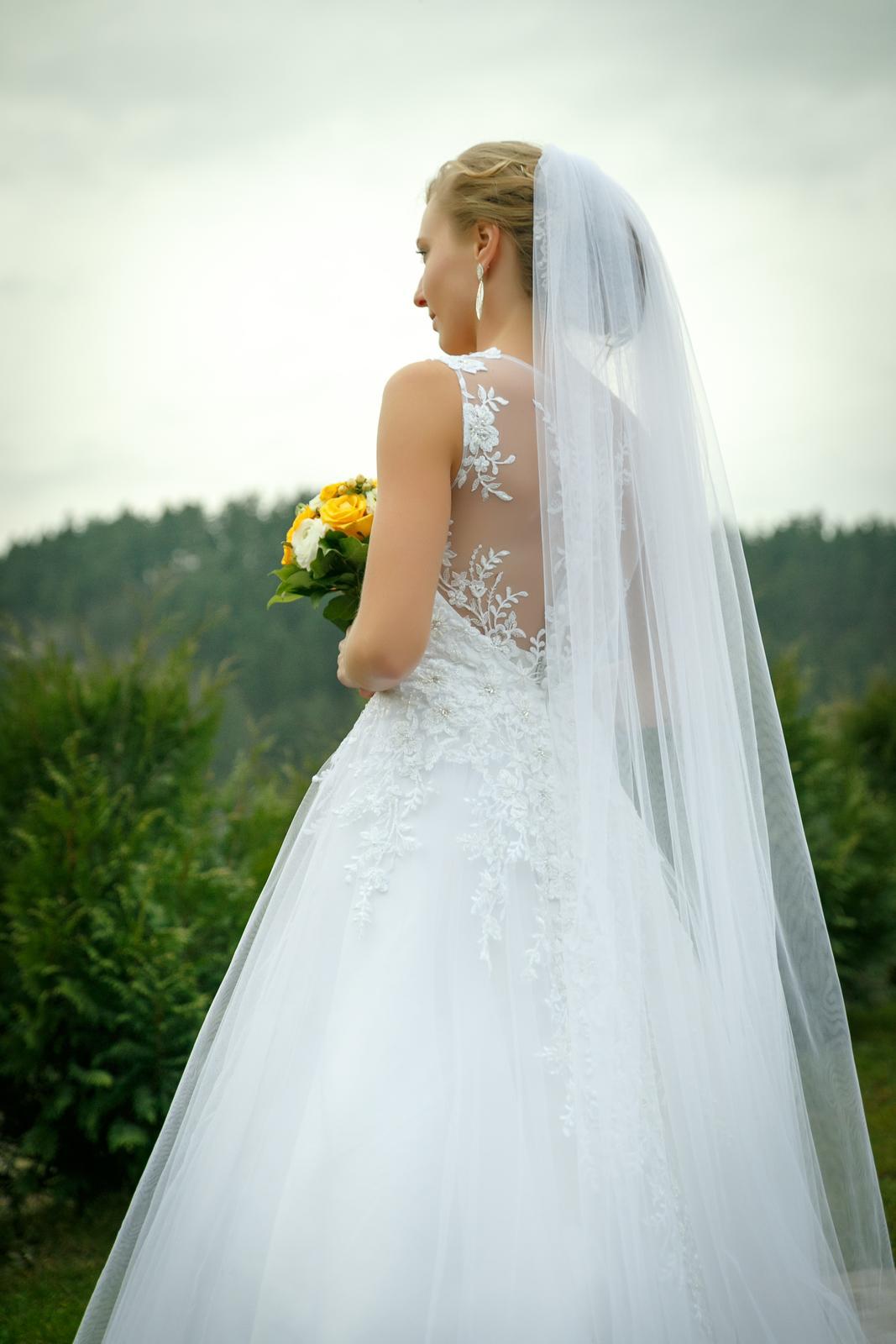 618c7fe39e27 Krajkové svadobné šaty