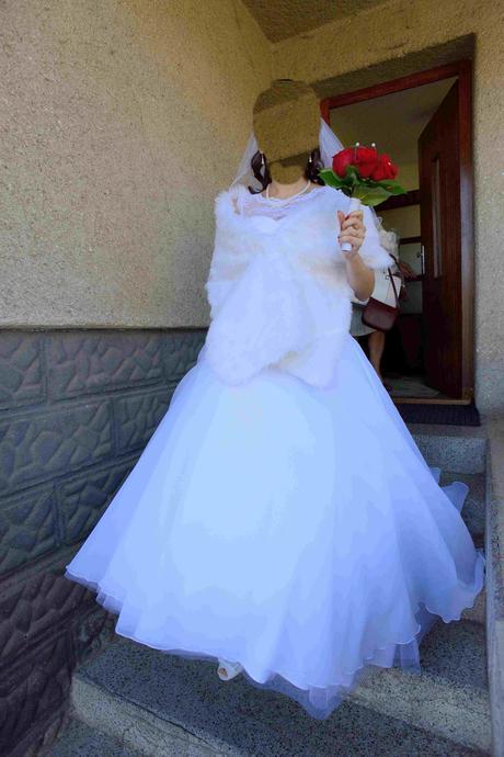 Luxusní sněhobílé svatební šaty 38, 42