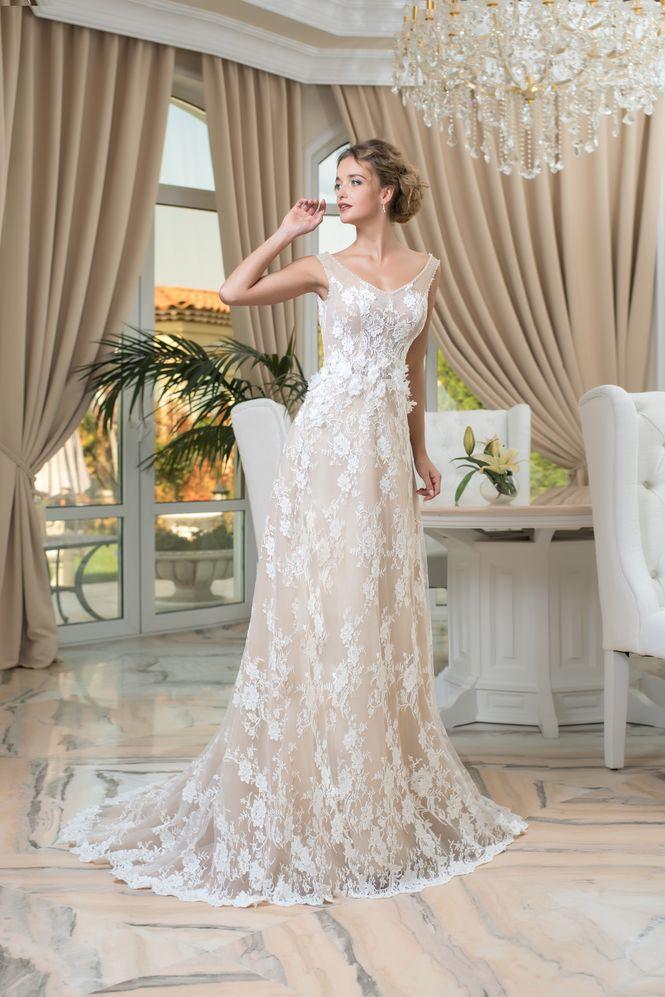 Čipkované svadobné šaty elegantného strihu  efdc299fa70