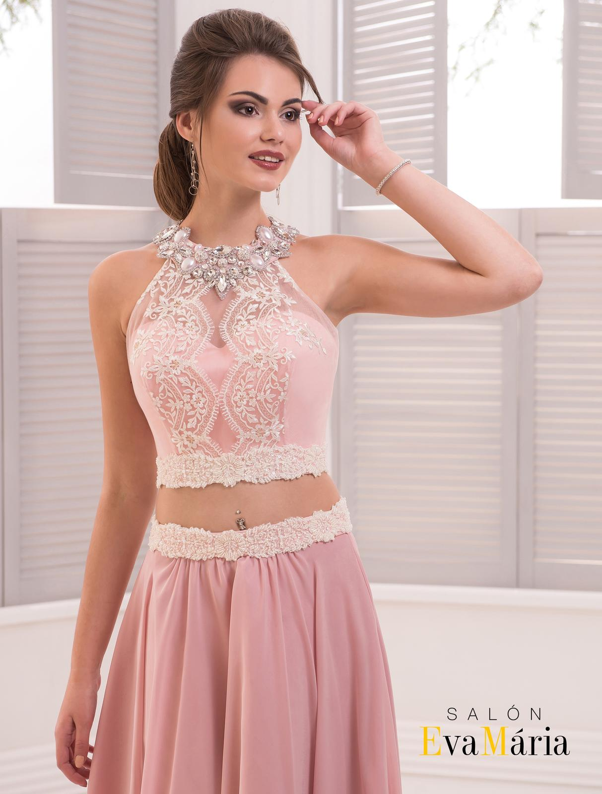 f56728f463be Extravagantné spoločenské šaty s kamienkami