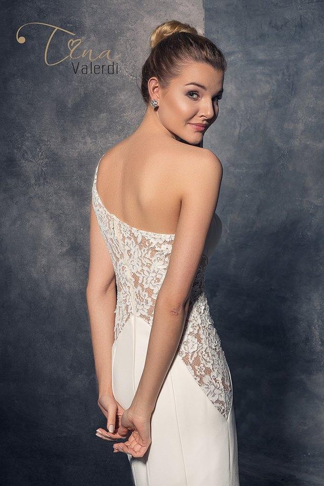 3bfb50e27a8a Extravagantné svadobné šaty šitie na mieru