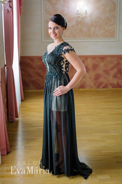 41a30eb248c0 Luxusné čierne večerné šaty - predaj   prenájom