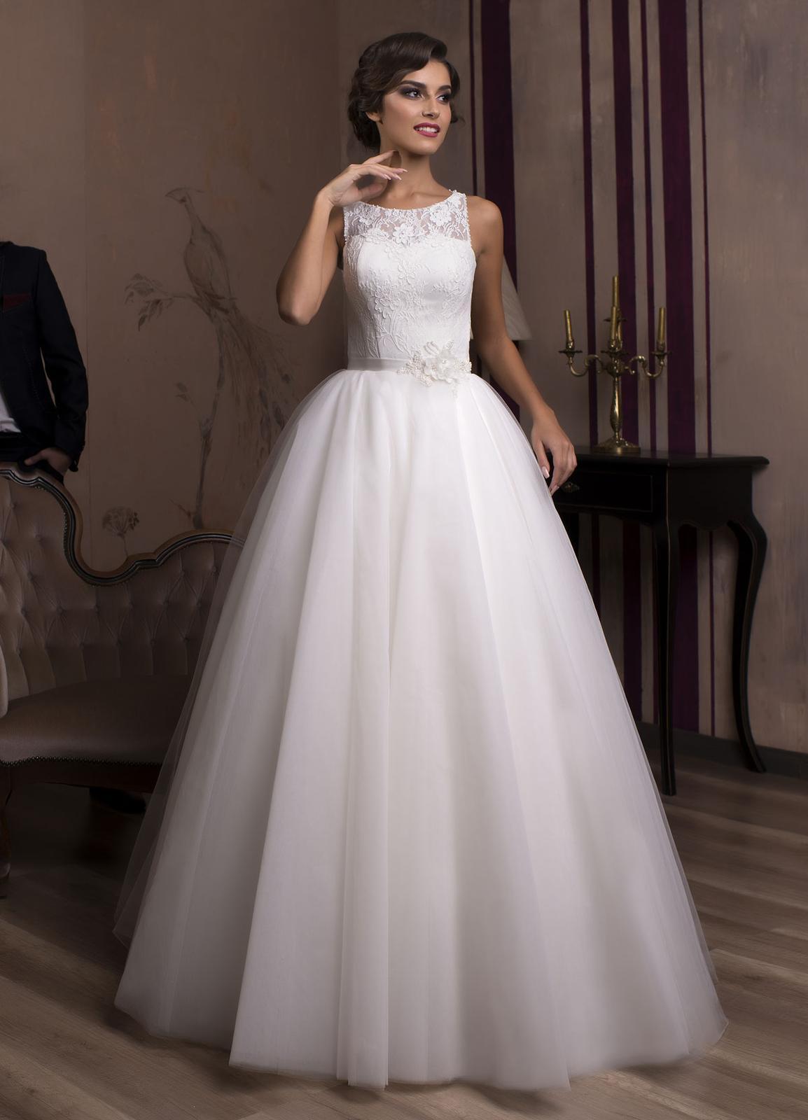 4b1fa38969f0 Luxusné svadobné šaty na predaj