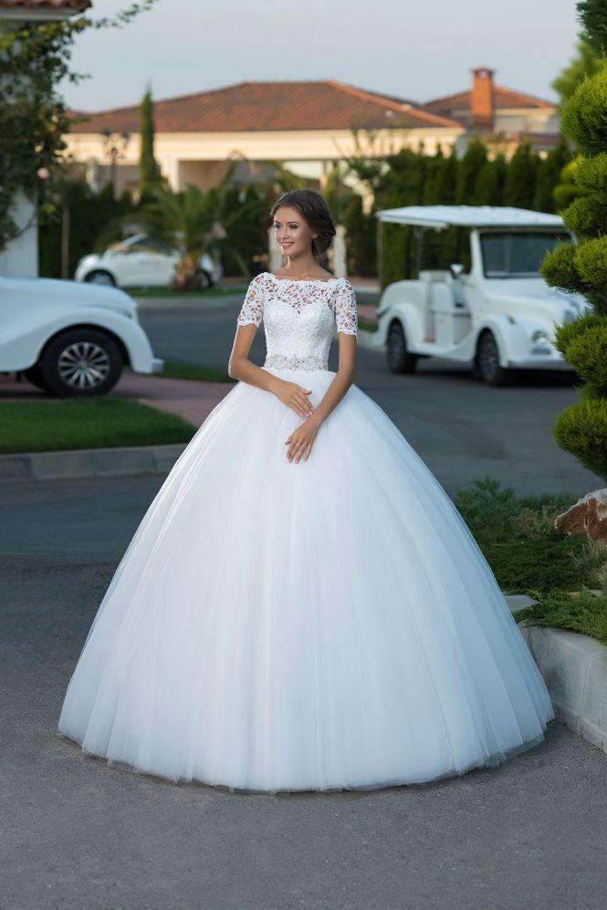 Princeznovské svadobné šaty s 3d čipkou  f6b08e96ec5