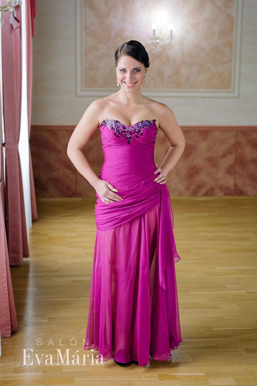 5bd63723dc7e Vínové luxusné plesové šaty - predaj   prenájom